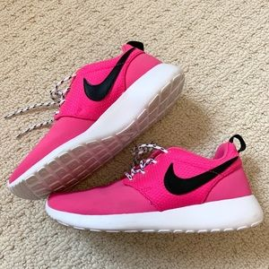 Nike Hot Pink Sneaker Runner Running Shoes